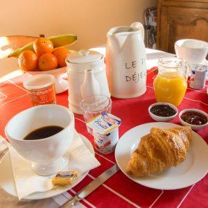 Le petit déjeuner du Bourg Joly